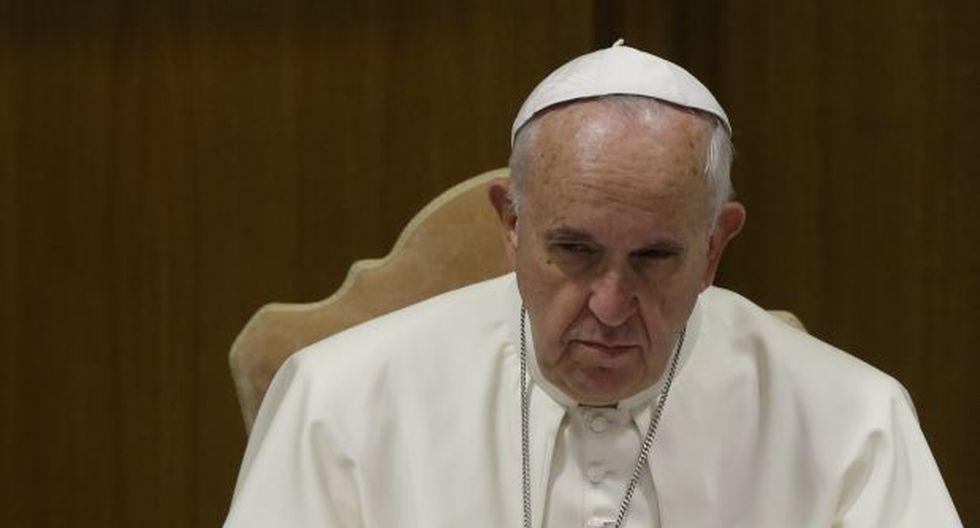 """Francisco advierte del terrorismo """"brutal"""" del Estado Islámico"""