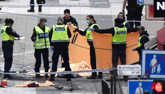 Estocolmo: Atentado con camión deja al menos 4 muertos [VIDEO]