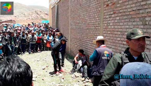 Es el segundo linchamiento que se conoce esta semana en Bolivia, por lo que las autoridades advierten que actuarán contra quienes apliquen por su cuenta la justicia. (Twitter @Tierra_Bolivia)