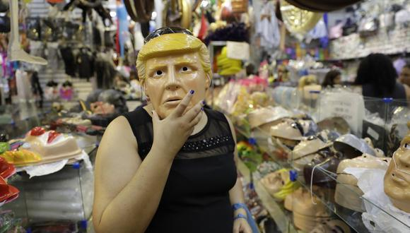 """""""Donald Trump"""" se cuela en el carnaval de Brasil"""