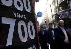 Chile: precio del dólar sube a máximo histórico pese a anuncio de intervención del banco central
