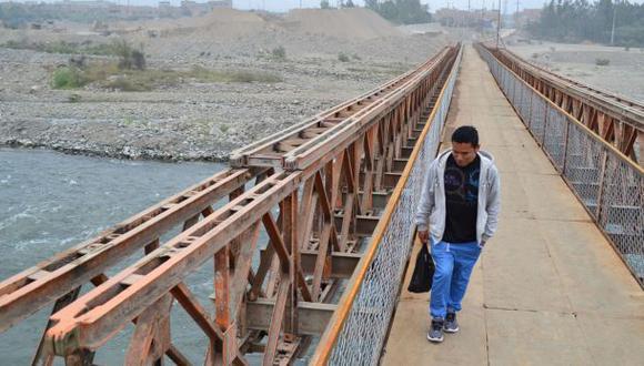 Huachipa: instalan puente sobre río, pero persiste inseguridad