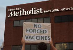 Personal médico demandó a su hospital en Texas por exigirles vacunarse contra el Covid-19