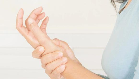 Las lesiones pueden presentarse debido al uso de la tecnología. (Foto: shutterstock)