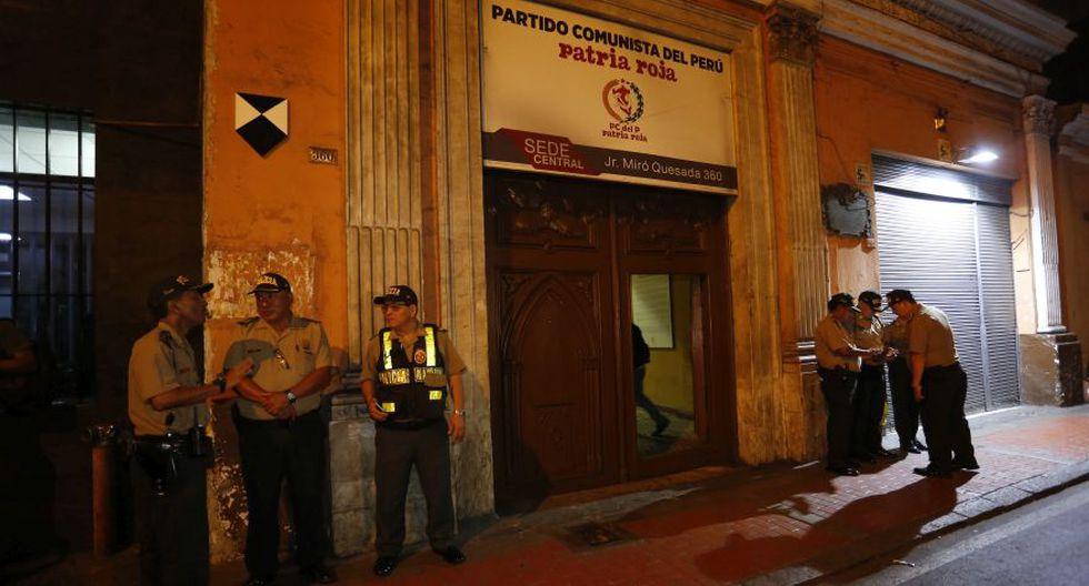 Policías se ubicaron en exteriores del local de Patria Roja - 2