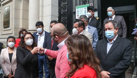 """Violeta Bermúdez indicó que las reuniones que ha tenido hasta la fecha """"han sido bastantes positivas"""" y destacó la actitud democrática de las bancadas del Parlamento. (Foto: PCM)"""