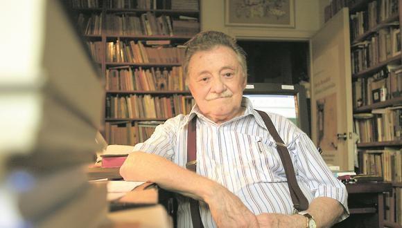 El escritor uruguayo Mario Benedetti en su casa de Montevideo, el 07 de enero de 2007. Nacido en 1920, Benedetti escribió cuentos, poemas, ensayos, teatro y novelas (Foto: Pablo Bielli/AFP)