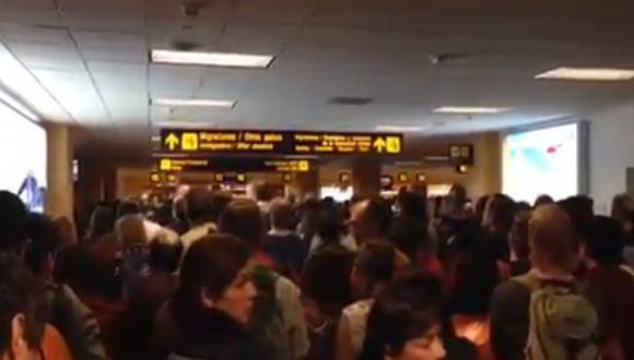 Cada vez en más horas la atención en el aeropuerto Jorge Chávez deja mucho que desear.