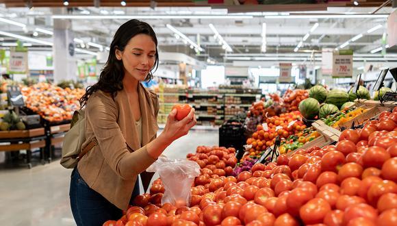 Opte por el mercado orgánico, y ponga en su plato menestras, cereales, consistentes ensaladas y carne saludable.
