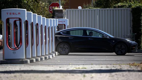 La mejor alternativa para los planes de California es que los fabricantes de autos los hagan eléctricos. (Foto: Getty Images/AFP)