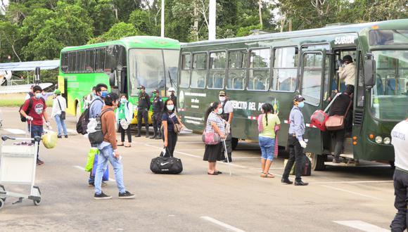 Ciudadanos esperan que el gobierno regional coordine vuelos humanitarios para su traslado. (Foto: Manuel Calloquispe)