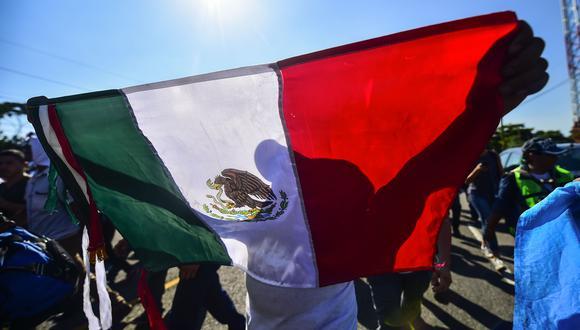 La crisis del coronavirus se empezó a sentir con fuerza en marzo en México con la caída del turismo, las bolsas y la depreciación de su moneda, entre otros efectos. (Foto: AFP)
