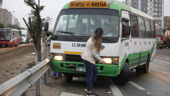 Una de las víctimas del violento accionar de algunos conductores fue la periodista de TV Perú, Sofía Gallegos, quien fue atropellada por una cúster en la Panamericana Sur cuando se encontraba cubriendo una noticia. (Foto: Britanie Arroyo / @photo.gec))