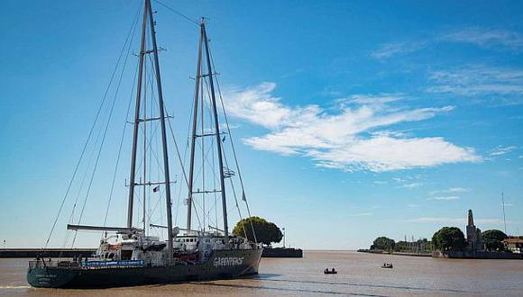 El barco súper ecológico Rainbow Warrior llegó a Buenos Aires