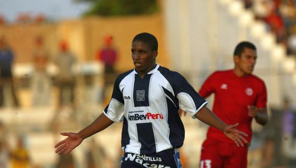 Jefferson Farfán debutó en Alianza Lima en julio de 2001. (Foto: Enrique Cúneo / Archivo El Comercio)
