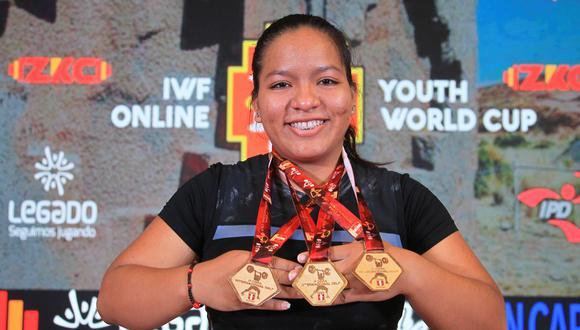 Estrella Saldarriaga es una de las jóvenes que brillo. Ella ganó tres medallas de oro en el Mundial de Pesas Sub 17. (Foto: Legado Lima 2019)