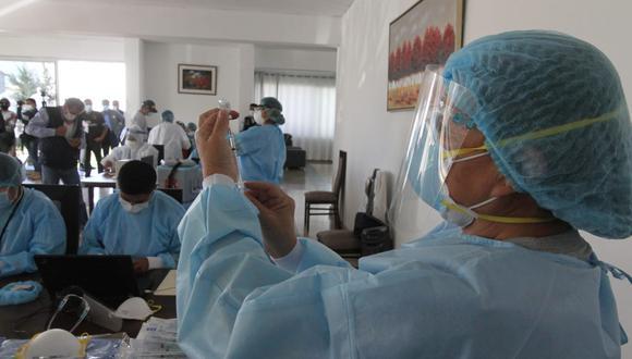 En la primera etapa, también se inmunizarán a adultos mayores de 60 años. (Foto: GEC)
