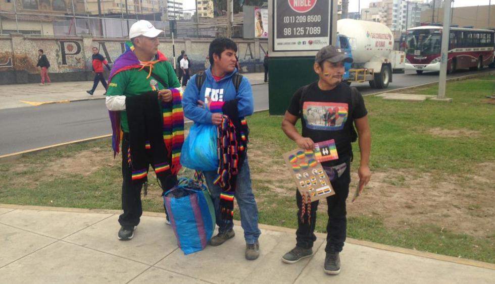 Con la presencia de diversos personajes de la política y de la televisión, esta tarde se desarrolla por las calles del Cercado de Lima y Jesús María la XV Marcha del Orgullo LGTBI. (Juan Guillermo Lara/El Comercio)