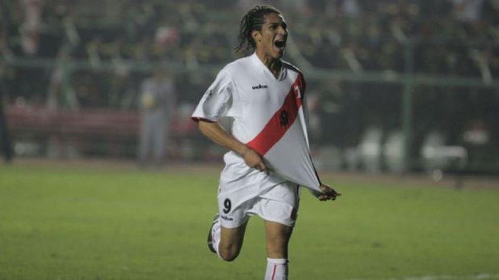 ¿Cómo le ha ido a Paolo Guerrero en duelos ante Chile?