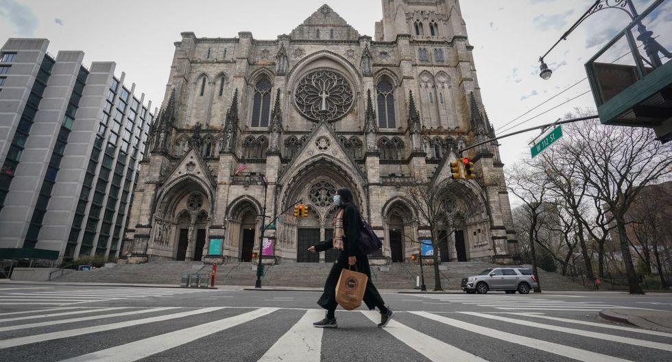 Este hospital de campaña podría comenzar a recibir pacientes de COVID-19 en una semana, precisaron responsables de la catedral. (Foto: AFP/Bryan R. Smith)