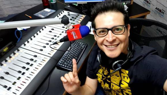 'Carloncho' regresó a su programa en radio tras polémica por comentarios. (Foto: @carlonchodemoda).