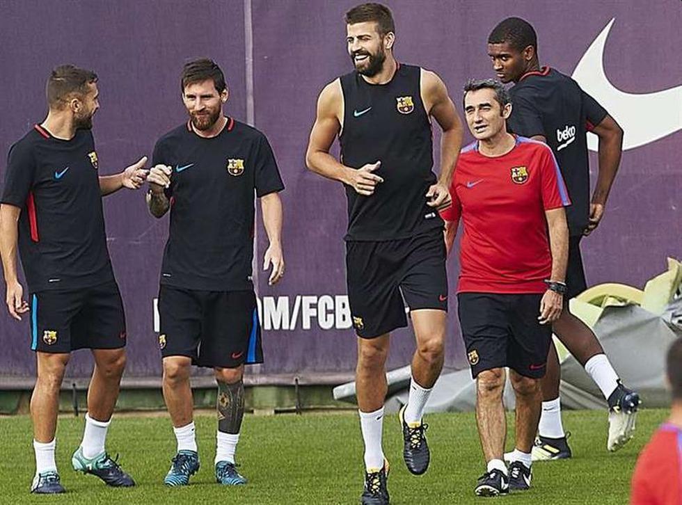 Messi y Piqué fueron dos de los futbolistas del cuadro culé que se despidieron de Ernesto Valverde.  (Foto: Barcelona)
