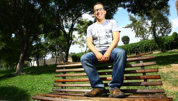 Facebook: Daniel Peredo y el homenaje de sus amigos de la 'pichanga de los lunes'. (Foto: USI)