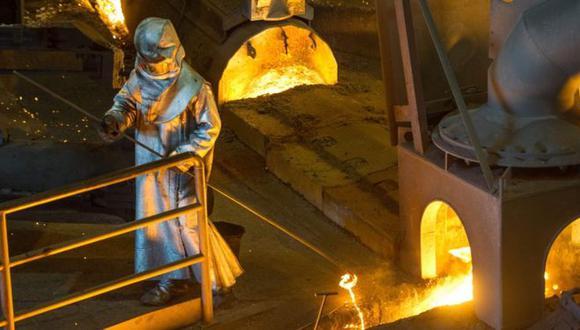 Donald Trump cree que la industria del acero en Estados Unidos es afectada por las políticas comerciales de otras naciones. (Foto: AFP)